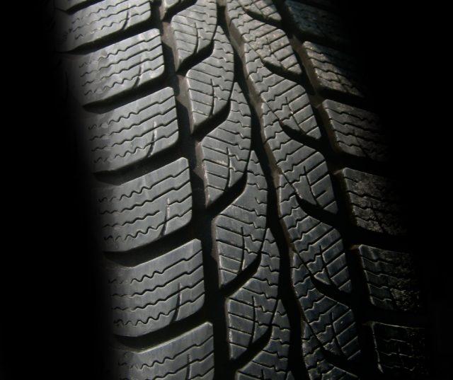 car-tire-good-tread
